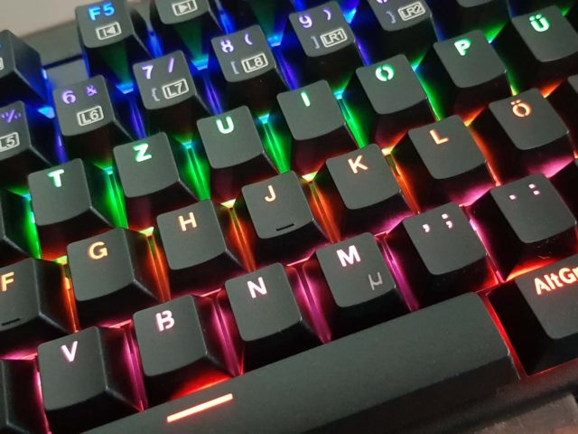 Aukey KM-G6 Mechanische LED Tastatur